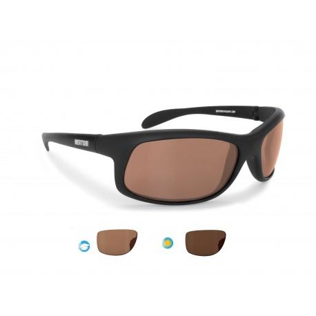 Photochromic polarized sport sunglasses P545FT